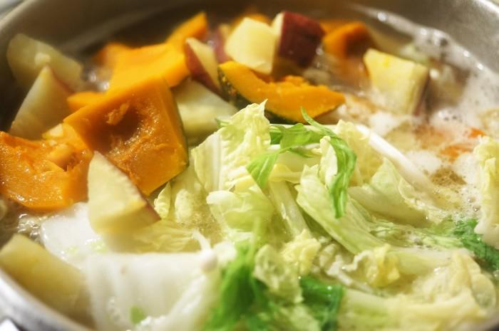 ■晩ご飯【具沢山すいとん】肌寒くなったので身体を温めるに最適です♪_b0033423_18403093.jpg