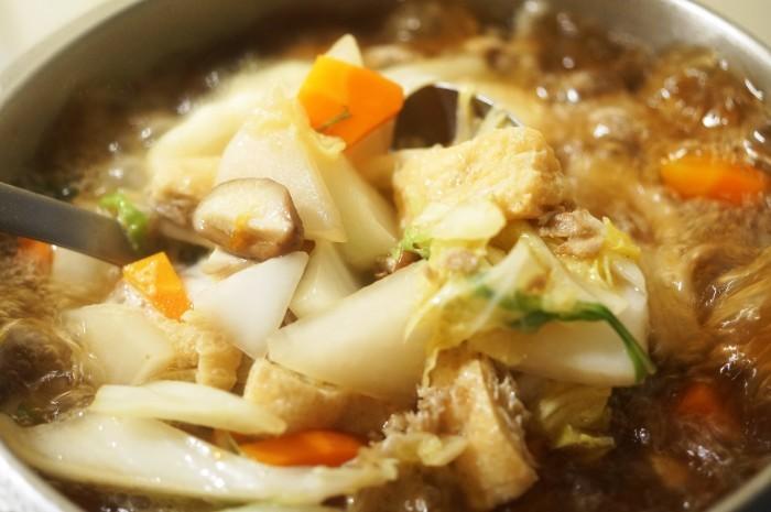 ■晩ご飯【具沢山すいとん】肌寒くなったので身体を温めるに最適です♪_b0033423_18414501.jpg