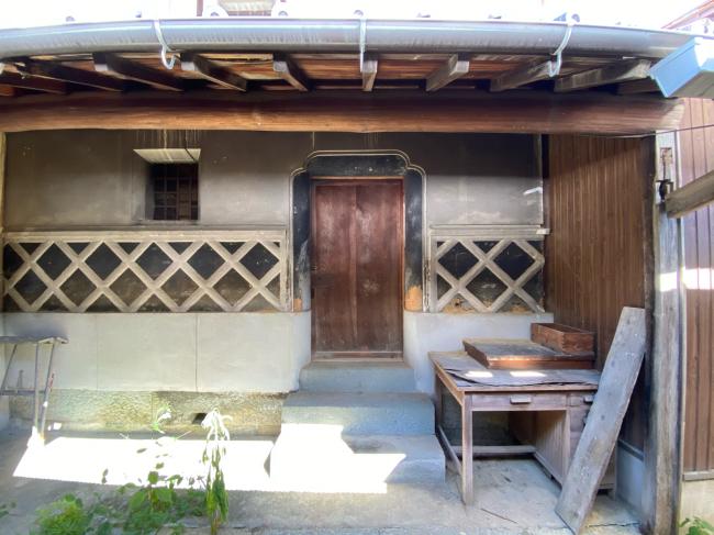 明治時代に建てらた茅葺き屋根の平屋建て古民家_f0115152_12522605.jpg