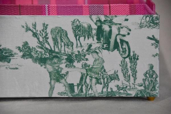 バンコクで見つけた可愛すぎる布で作ったインテリア小箱_e0414361_09583951.jpg