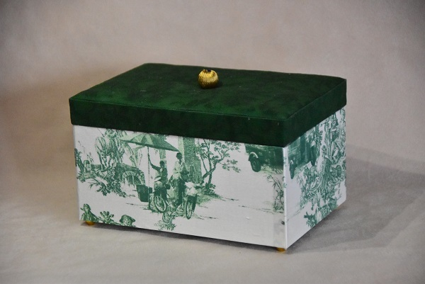 バンコクで見つけた可愛すぎる布で作ったインテリア小箱_e0414361_09584643.jpg