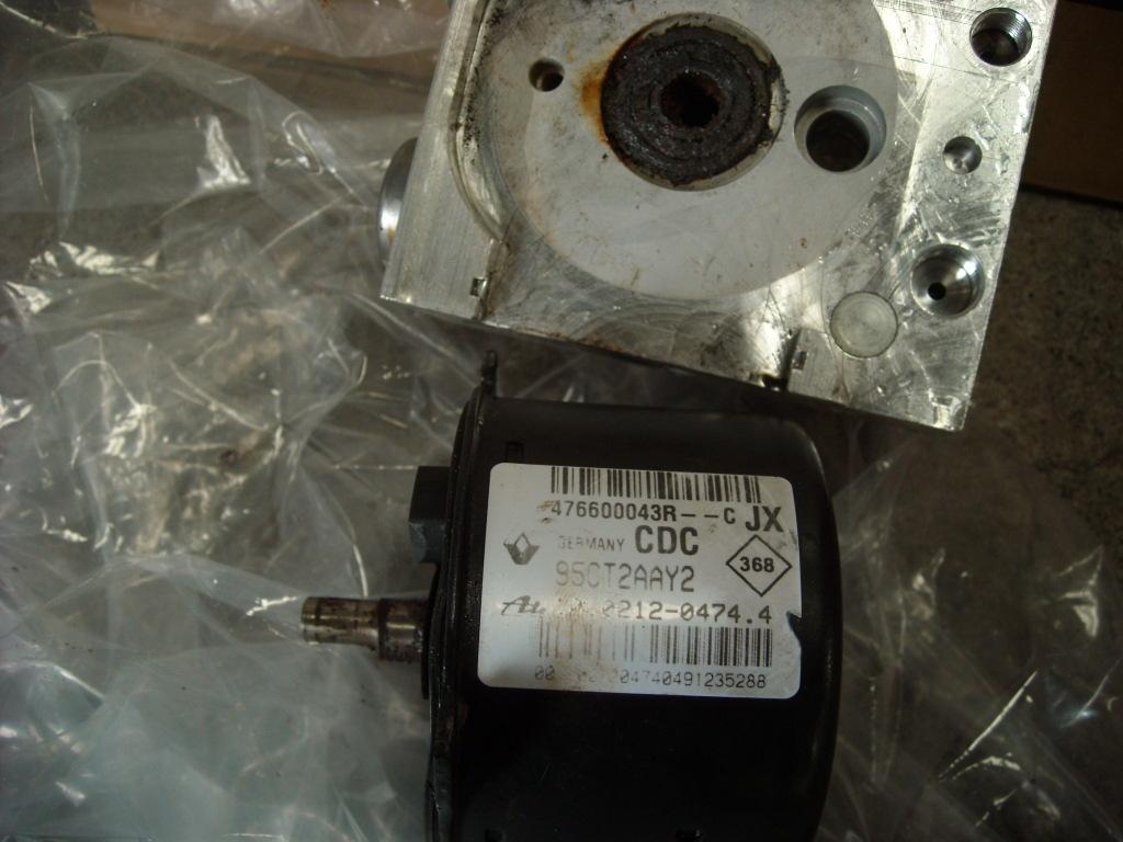 ルノークリオ スポールRS ABS修理_c0199873_09342991.jpg