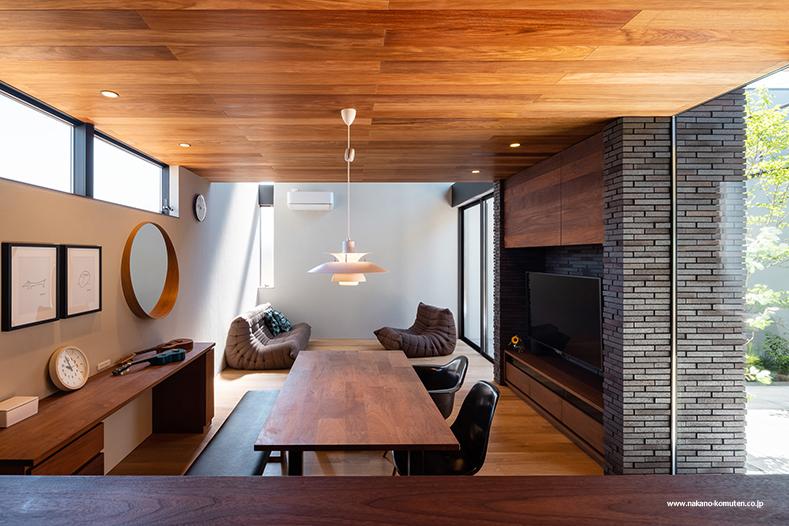 「中庭と過ごす家」施工例へアップしました_f0170331_02210889.jpg