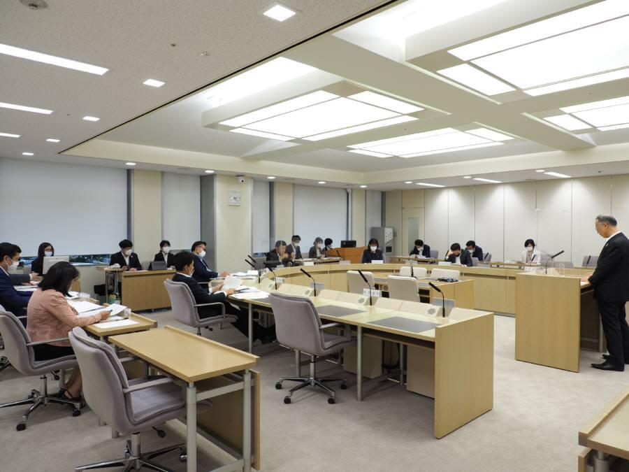 公営企業会計決算特別委員会_f0059673_18092824.jpg