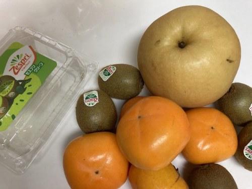 秋の果物たち /  koba_d0135801_16525046.jpg
