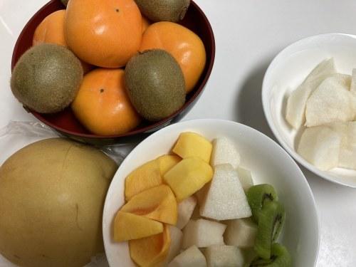 秋の果物たち /  koba_d0135801_16525697.jpg