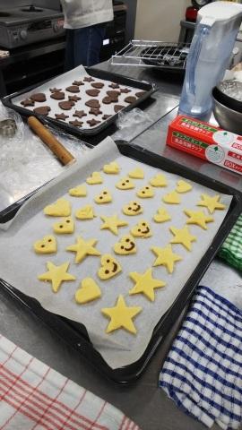手作りクッキーとビデオ ( *´艸`)_e0175651_11340728.jpg