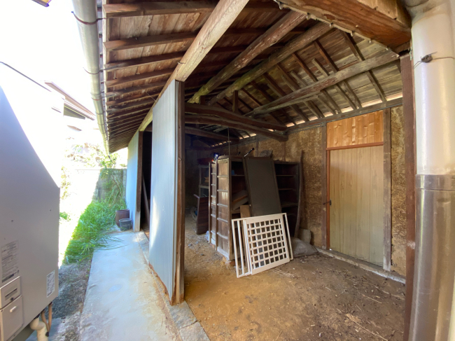 明治44年築の茅葺き屋根の贅沢な平屋です。_f0115152_15003141.jpg