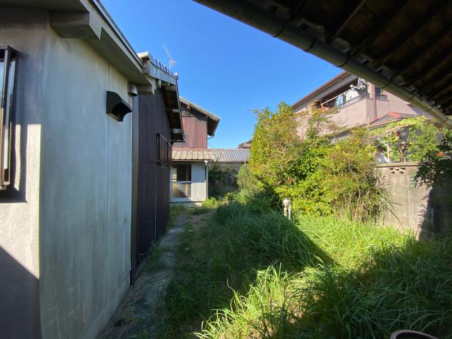 明治44年築の茅葺き屋根の贅沢な平屋です。_f0115152_15003328.jpg