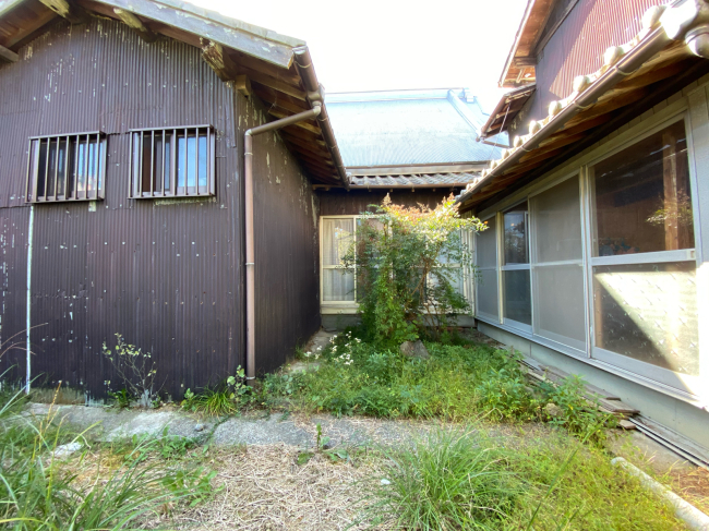 明治44年築の茅葺き屋根の贅沢な平屋です。_f0115152_15003539.jpg
