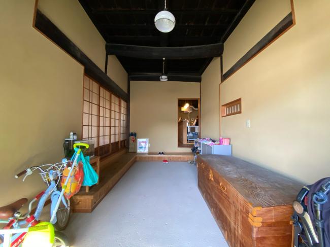 明治44年築の茅葺き屋根の贅沢な平屋です。_f0115152_15021003.jpg