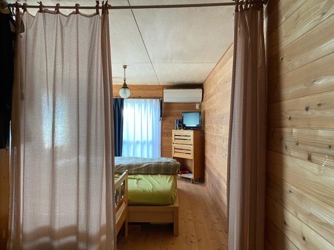 明治44年築の茅葺き屋根の贅沢な平屋です。_f0115152_15021223.jpg