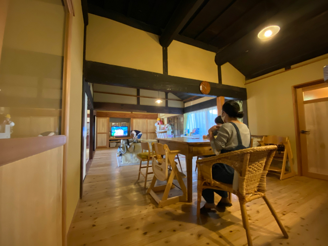 明治44年築の茅葺き屋根の贅沢な平屋です。_f0115152_15064872.jpg