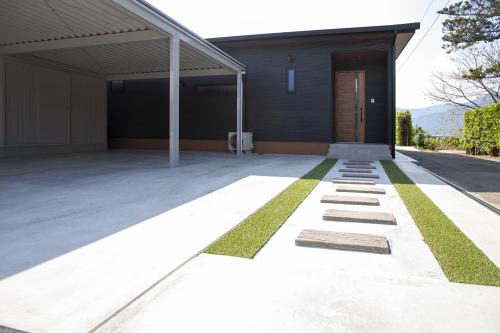 たっぷり収納と広々リビングの平屋の家_a0163962_09112316.jpg
