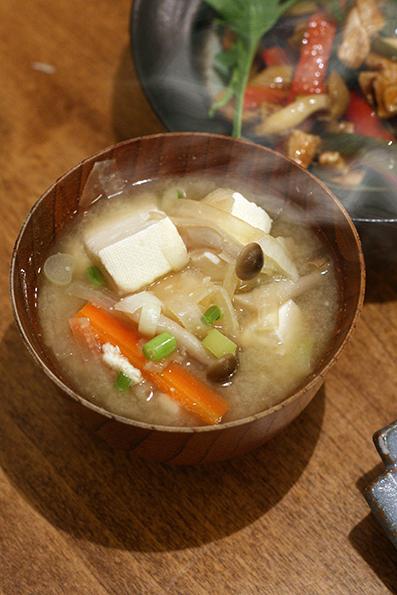 ニラ餃子、山椒辣油炒めと梅が枝餅_e0137277_20434559.jpg