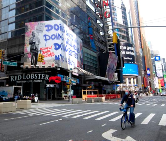 コロナ禍のニューヨークならではの情熱的な巨大アート看板 by Mr. Brainwash_b0007805_06171528.jpg