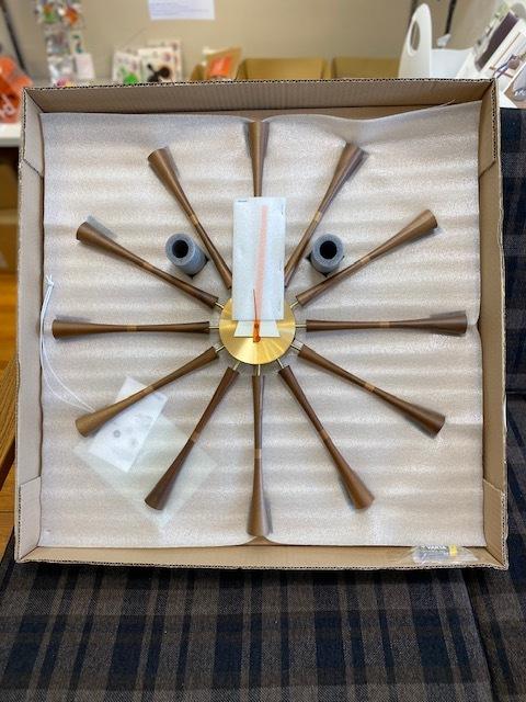 BUBBLE LAMPが設置されたN様邸の素敵な空間に加わるNELSON Spindle Clockが到着しました!_b0125570_11503450.jpg