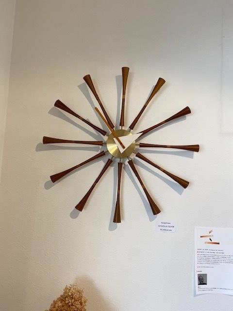 BUBBLE LAMPが設置されたN様邸の素敵な空間に加わるNELSON Spindle Clockが到着しました!_b0125570_11513521.jpg