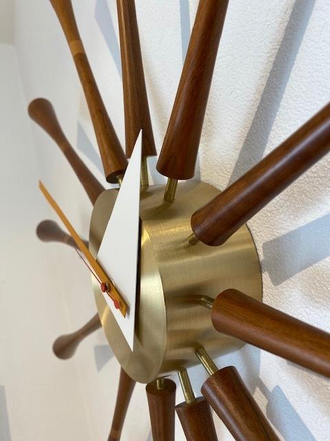 BUBBLE LAMPが設置されたN様邸の素敵な空間に加わるNELSON Spindle Clockが到着しました!_b0125570_11515354.jpg