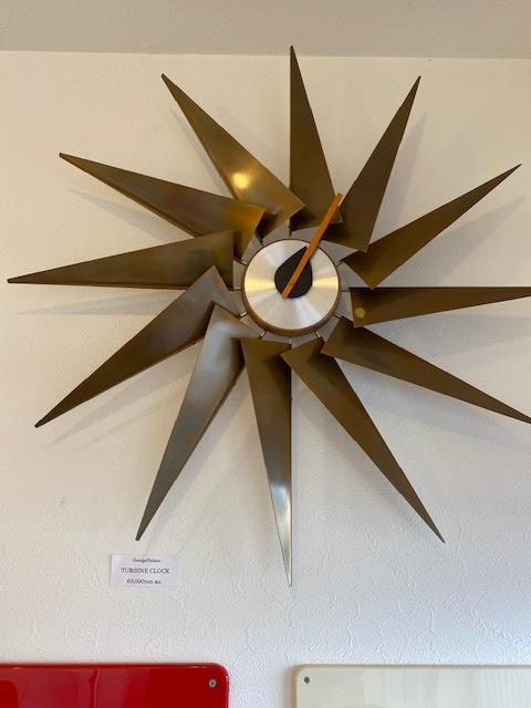 BUBBLE LAMPが設置されたN様邸の素敵な空間に加わるNELSON Spindle Clockが到着しました!_b0125570_11525632.jpg