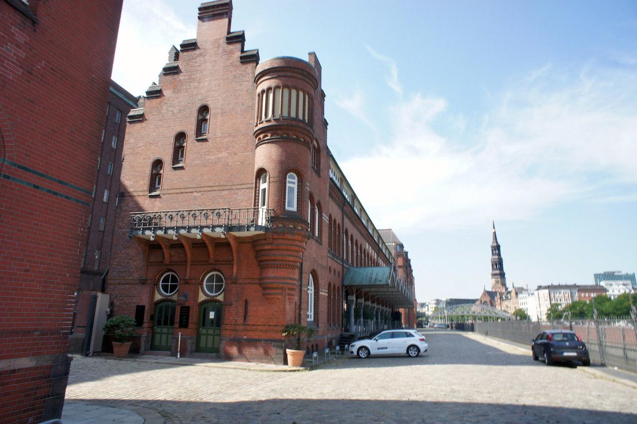 ハンブルクで見た Futura_f0144064_20210658.jpg