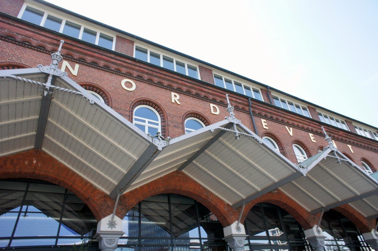 ハンブルクで見た Futura_f0144064_20210680.jpeg