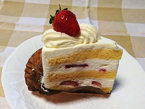 お手頃価格で美味しいケーキ・エクラデジュール@ららぽーと豊洲_f0337357_18414070.jpg