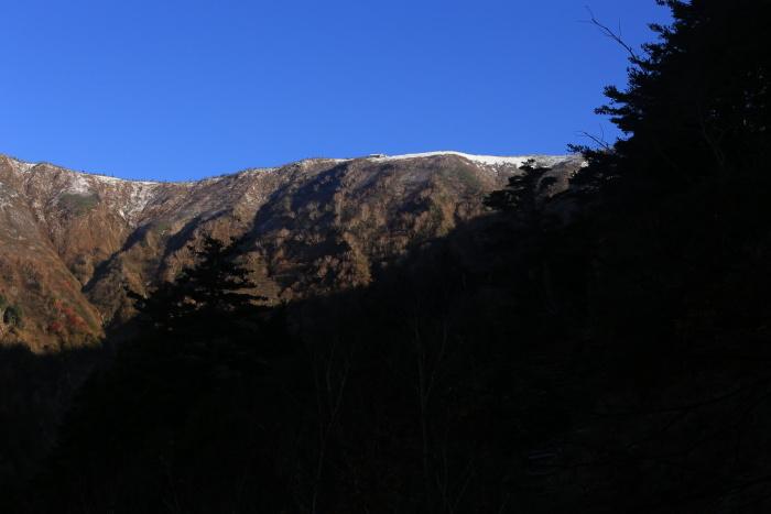 爺ヶ岳 201018 初雪_e0338862_15294441.jpg