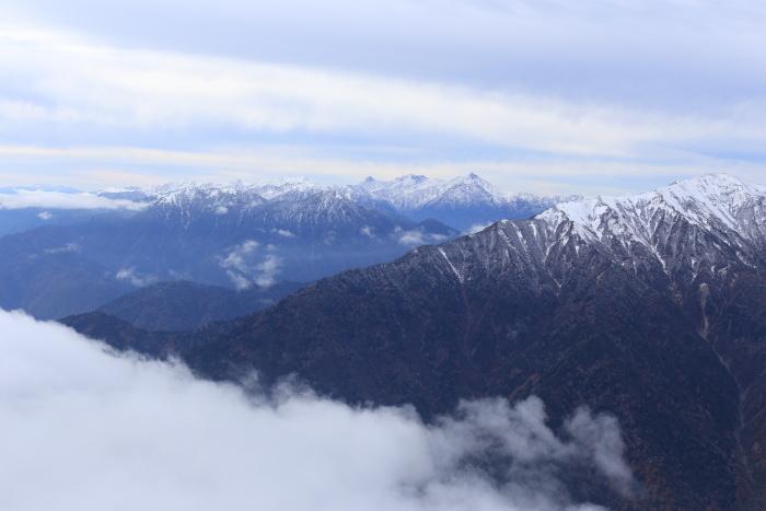 爺ヶ岳 201018 初雪_e0338862_15350144.jpg