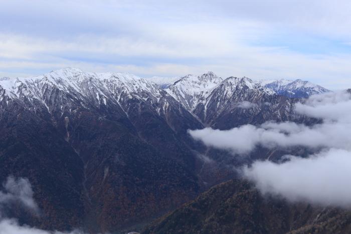 爺ヶ岳 201018 初雪_e0338862_15362893.jpg
