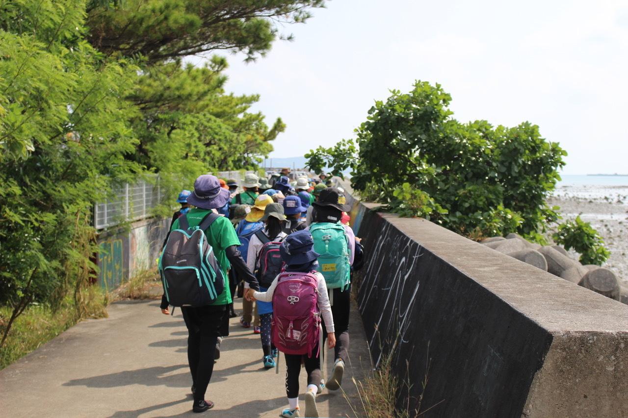 ネコクラブABC合同-06◆秋の干潟で収穫まつり(10/17)沖縄随一の干潟、泡瀬干潟で丸一日潮干狩りにチャレンジ。貝もカニもいっぱいで、お腹いっぱいになりました!_d0363878_00101319.jpeg