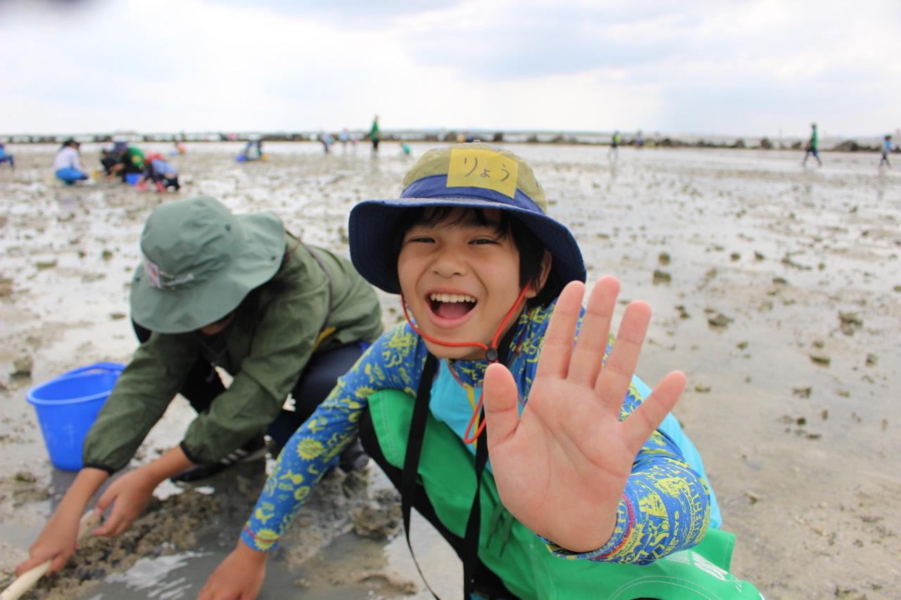 ネコクラブABC合同-06◆秋の干潟で収穫まつり(10/17)沖縄随一の干潟、泡瀬干潟で丸一日潮干狩りにチャレンジ。貝もカニもいっぱいで、お腹いっぱいになりました!_d0363878_00111957.jpeg