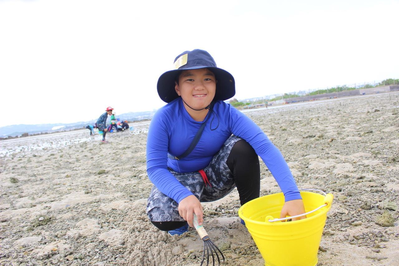 ネコクラブABC合同-06◆秋の干潟で収穫まつり(10/17)沖縄随一の干潟、泡瀬干潟で丸一日潮干狩りにチャレンジ。貝もカニもいっぱいで、お腹いっぱいになりました!_d0363878_00113339.jpeg