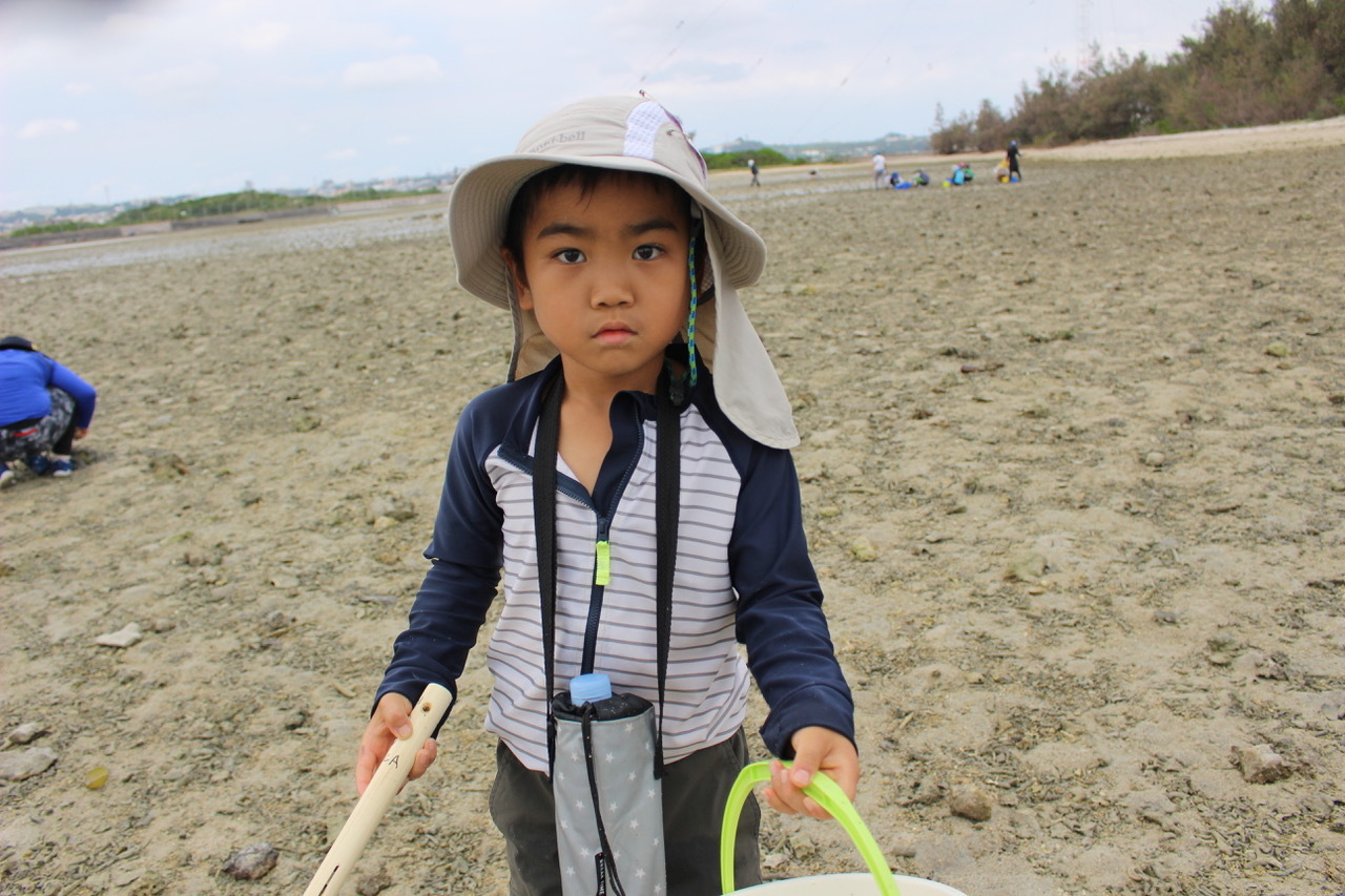 ネコクラブABC合同-06◆秋の干潟で収穫まつり(10/17)沖縄随一の干潟、泡瀬干潟で丸一日潮干狩りにチャレンジ。貝もカニもいっぱいで、お腹いっぱいになりました!_d0363878_00114708.jpeg