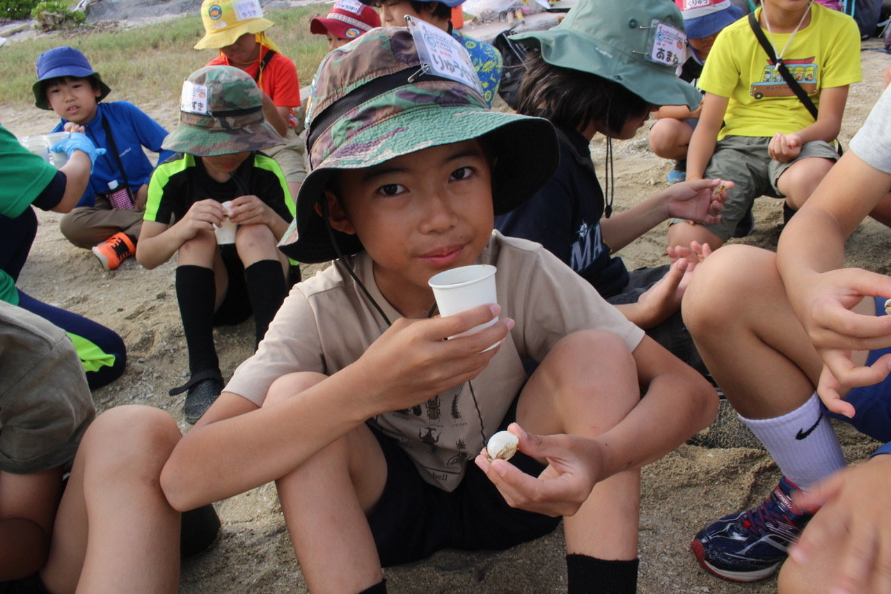 ネコクラブABC合同-06◆秋の干潟で収穫まつり(10/17)沖縄随一の干潟、泡瀬干潟で丸一日潮干狩りにチャレンジ。貝もカニもいっぱいで、お腹いっぱいになりました!_d0363878_00145818.jpeg