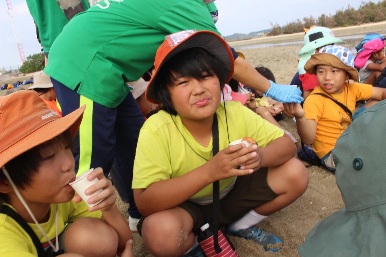 ネコクラブABC合同-06◆秋の干潟で収穫まつり(10/17)沖縄随一の干潟、泡瀬干潟で丸一日潮干狩りにチャレンジ。貝もカニもいっぱいで、お腹いっぱいになりました!_d0363878_00145952.jpeg