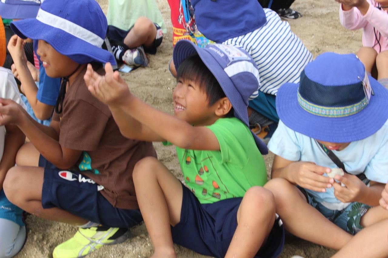 ネコクラブABC合同-06◆秋の干潟で収穫まつり(10/17)沖縄随一の干潟、泡瀬干潟で丸一日潮干狩りにチャレンジ。貝もカニもいっぱいで、お腹いっぱいになりました!_d0363878_00395368.jpeg