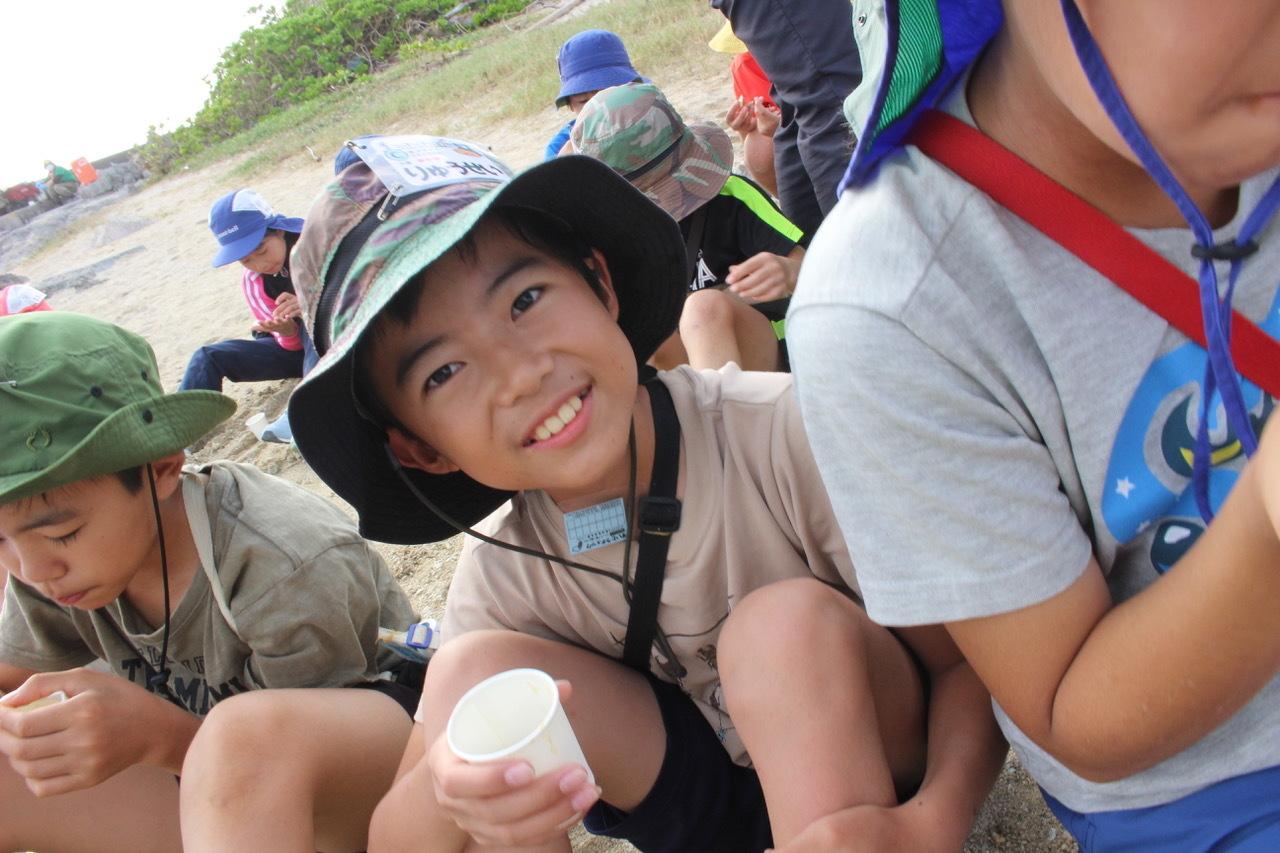 ネコクラブABC合同-06◆秋の干潟で収穫まつり(10/17)沖縄随一の干潟、泡瀬干潟で丸一日潮干狩りにチャレンジ。貝もカニもいっぱいで、お腹いっぱいになりました!_d0363878_00395398.jpeg