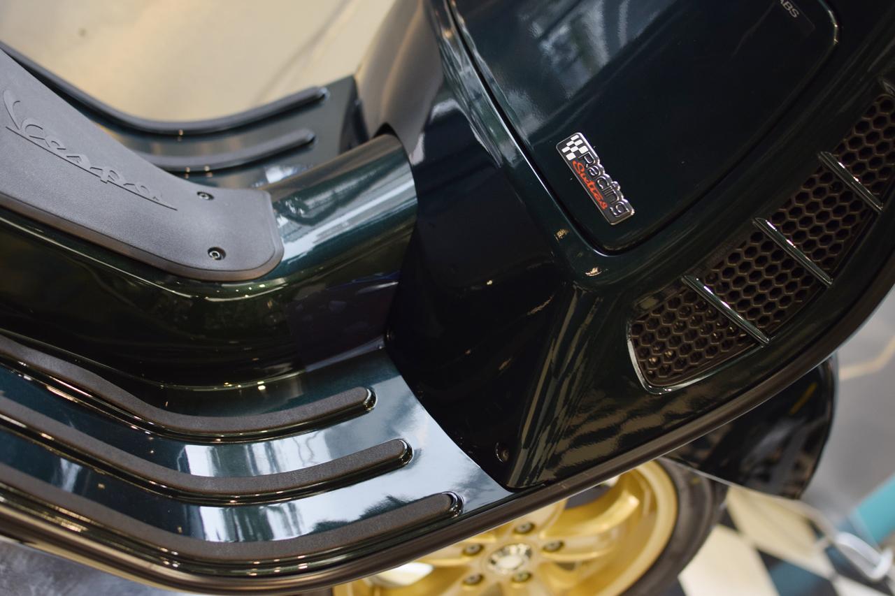 Vespa GTS Super 150 Racing Sixties (レーシングシックスティーズ)_d0099181_13050604.jpg