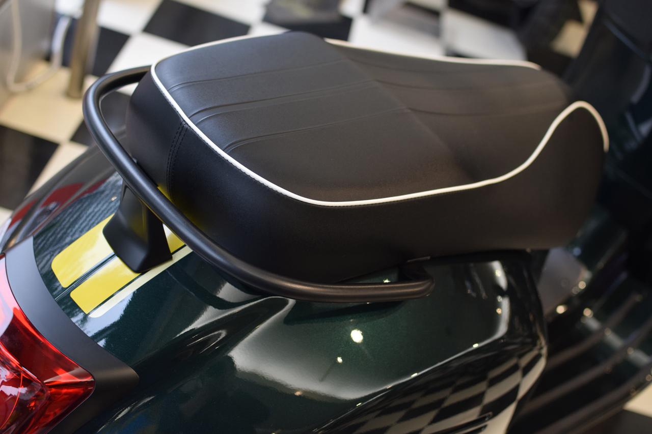 Vespa GTS Super 150 Racing Sixties (レーシングシックスティーズ)_d0099181_13050619.jpg