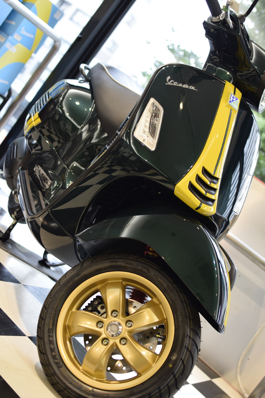 Vespa GTS Super 150 Racing Sixties (レーシングシックスティーズ)_d0099181_13050703.jpg