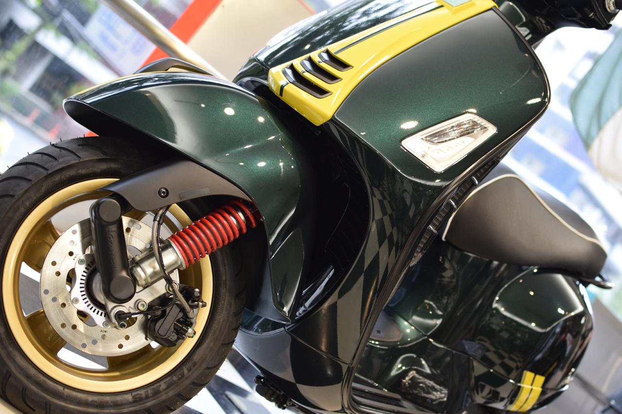 Vespa GTS Super 150 Racing Sixties (レーシングシックスティーズ)_d0099181_13051525.jpg
