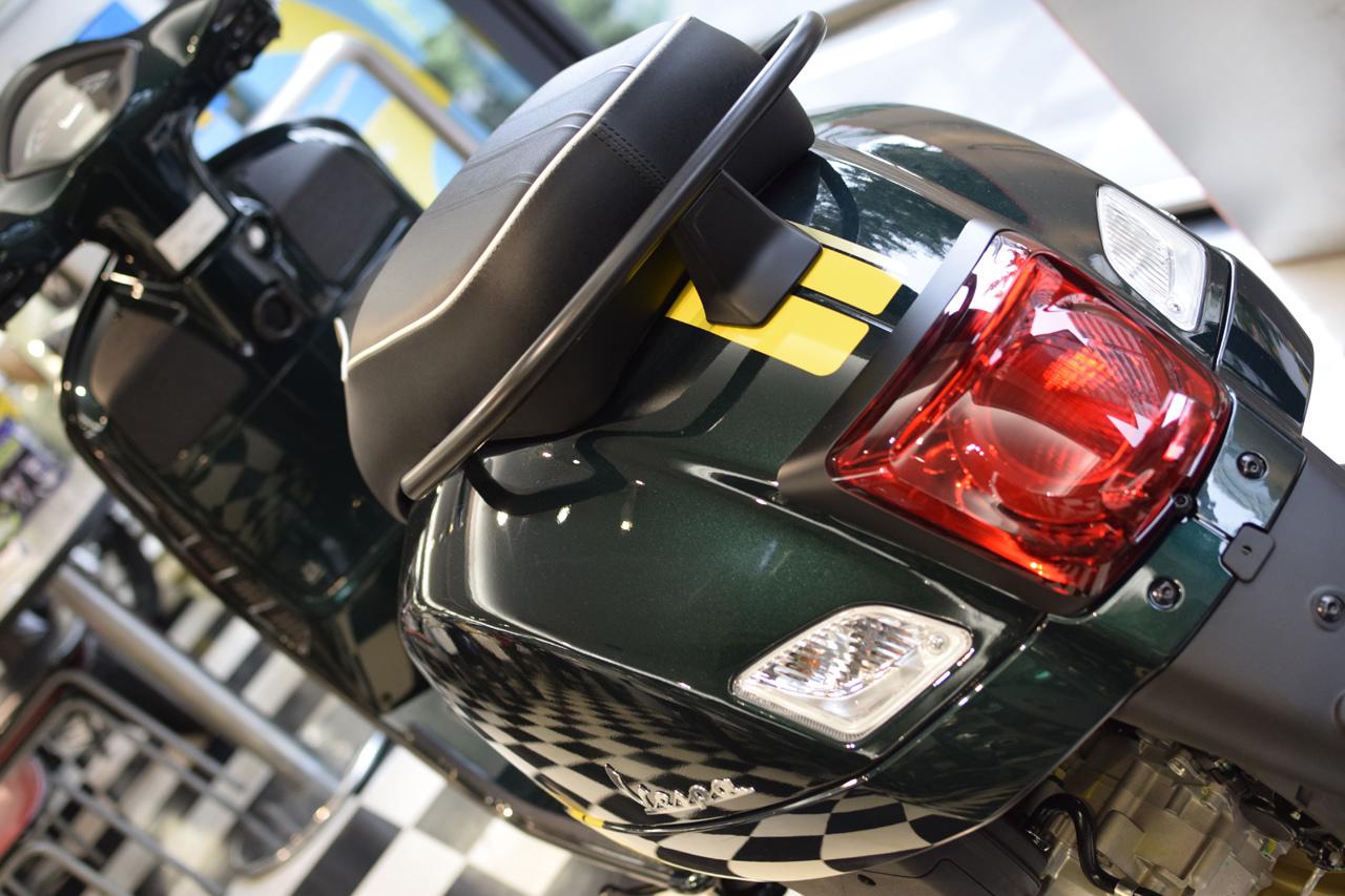 Vespa GTS Super 150 Racing Sixties (レーシングシックスティーズ)_d0099181_13051561.jpg