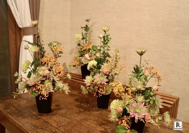 スプレー咲きのお花のサバキ、プロ級に_c0128489_13551574.jpeg
