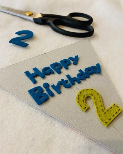 happy birthday  2歳のガーランド作り♪_a0165160_17102403.jpg