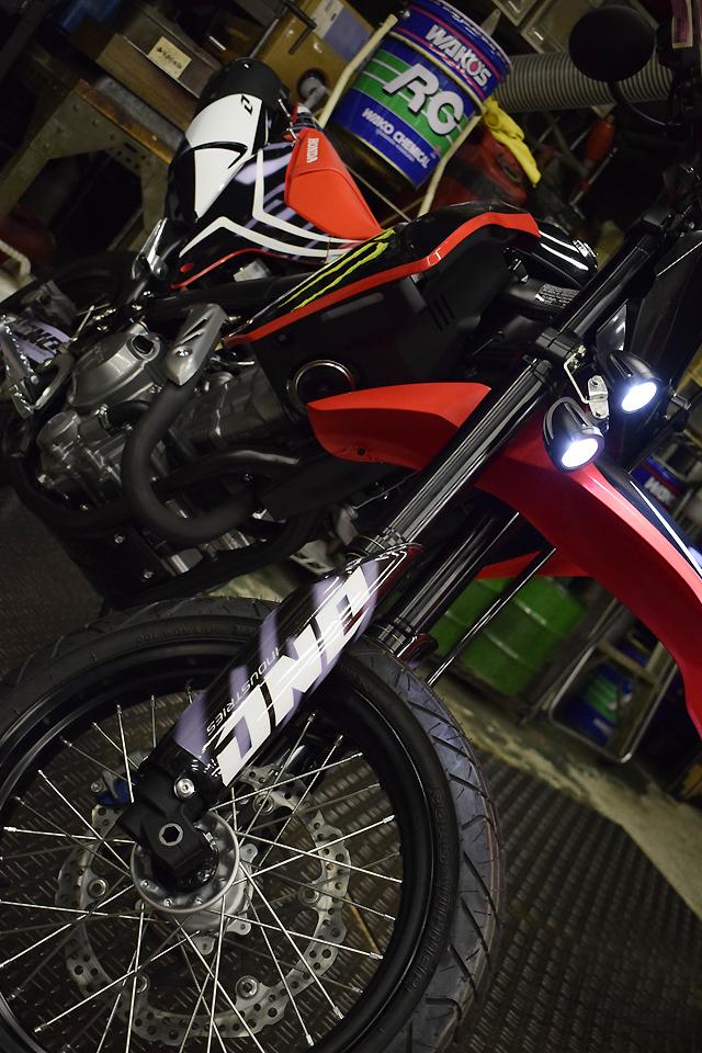 ホンダ CRF250L/M カスタム Lightning モンスター ニューグラフィック_d0099181_15295566.jpg