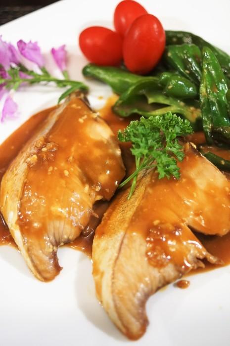 ■晩ご飯のおかず【簡単6分!!ブリの照り焼き 麺つゆバターでコッテリ~♪】_b0033423_22233489.jpg