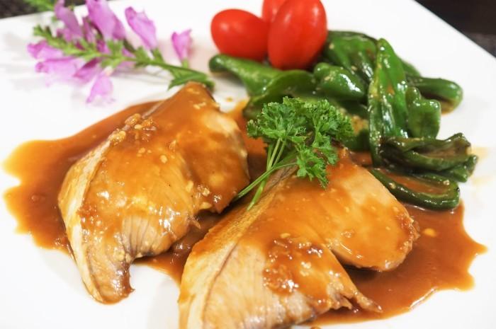 ■晩ご飯のおかず【簡単6分!!ブリの照り焼き 麺つゆバターでコッテリ~♪】_b0033423_22234181.jpg