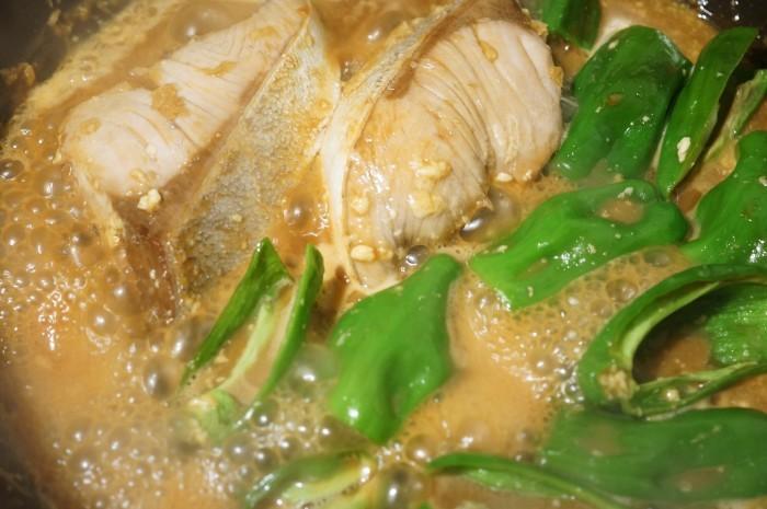■晩ご飯のおかず【簡単6分!!ブリの照り焼き 麺つゆバターでコッテリ~♪】_b0033423_22390435.jpg