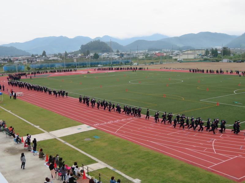 体育祭で初めて全校生徒がそろいました_e0359282_16120033.jpg
